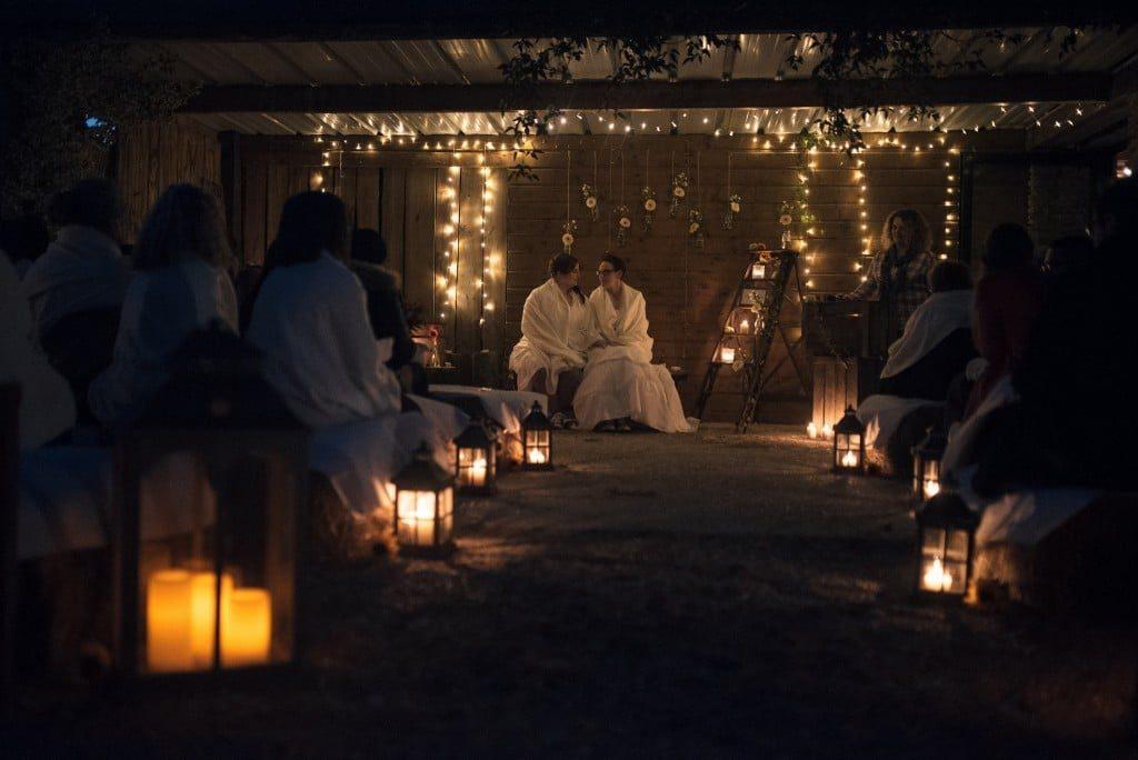 les-bulles-de-bonheur-_-mariage-gay-_-cérémonie-laïque-de-nuit-_-ceremonie-laique-champetre-conver