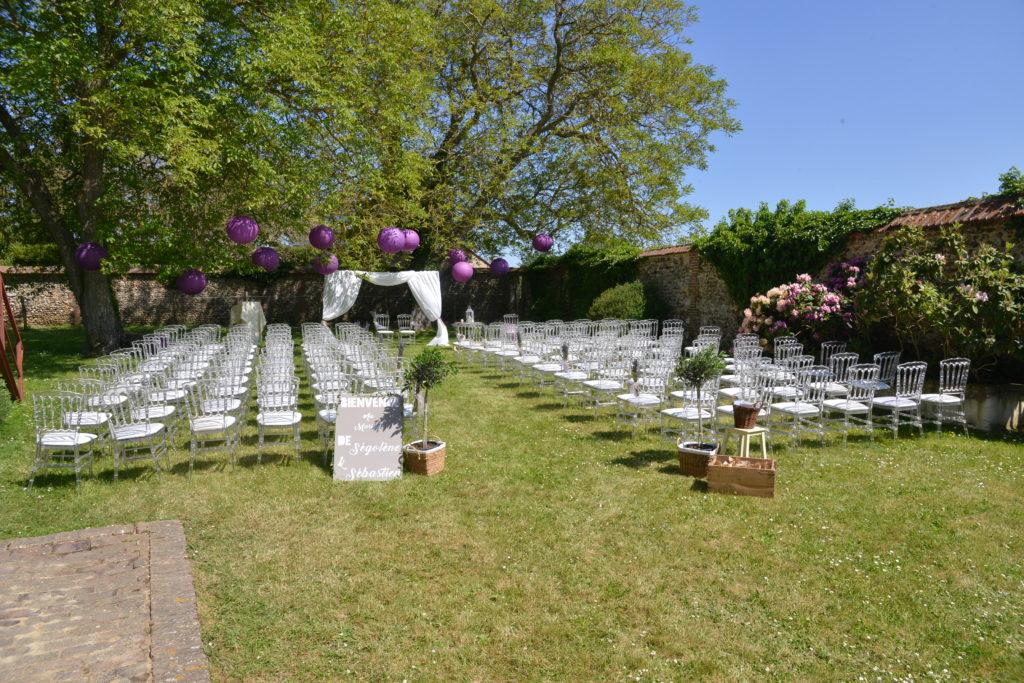 mariage blé et lavande à la Ferme des Luhtiers - officiant de cérémonie Les Bulles de Bonheur