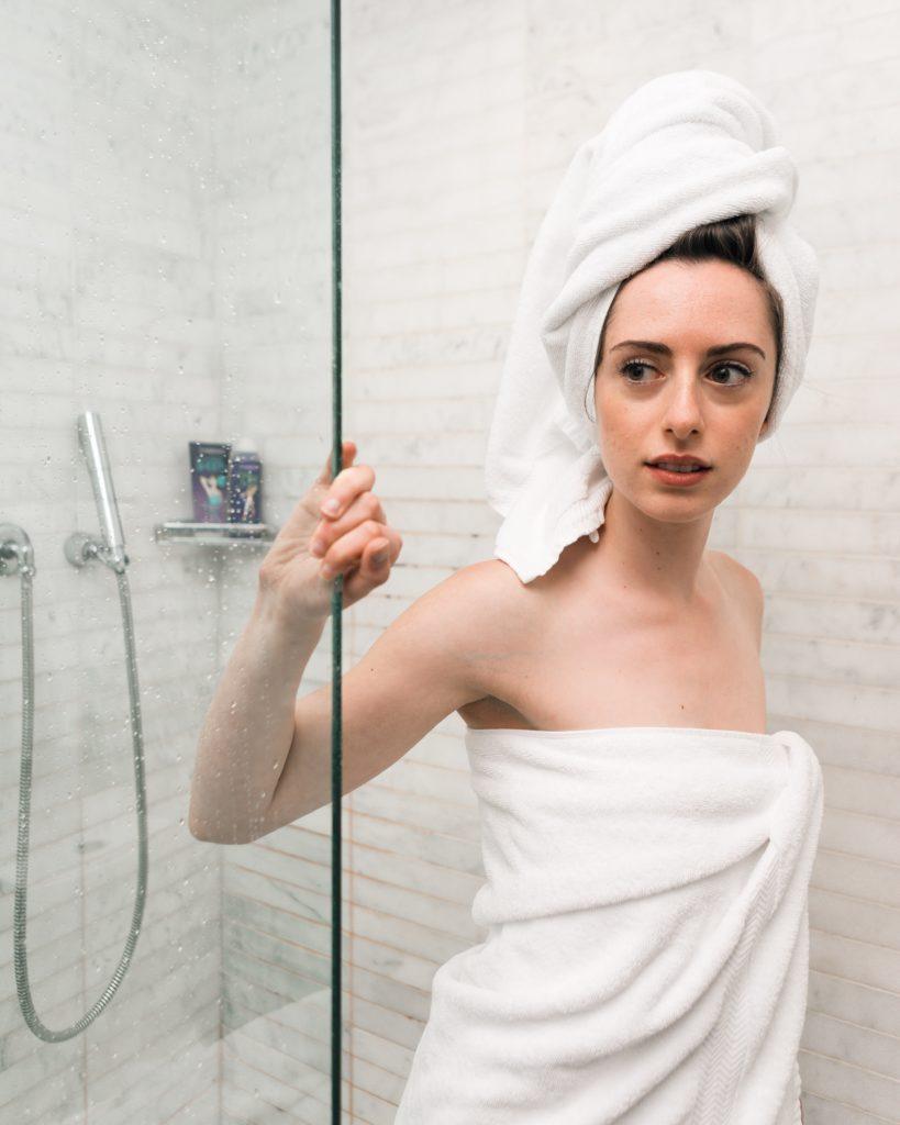 routine_beauté_future_mariée_peau_eblouissante_blog_lesbullesdebonheur_mariage_salle_de_bain_zero_dechet