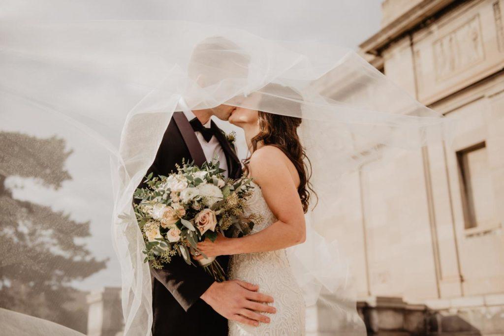 se marier avec peu d'invités à l'étranger